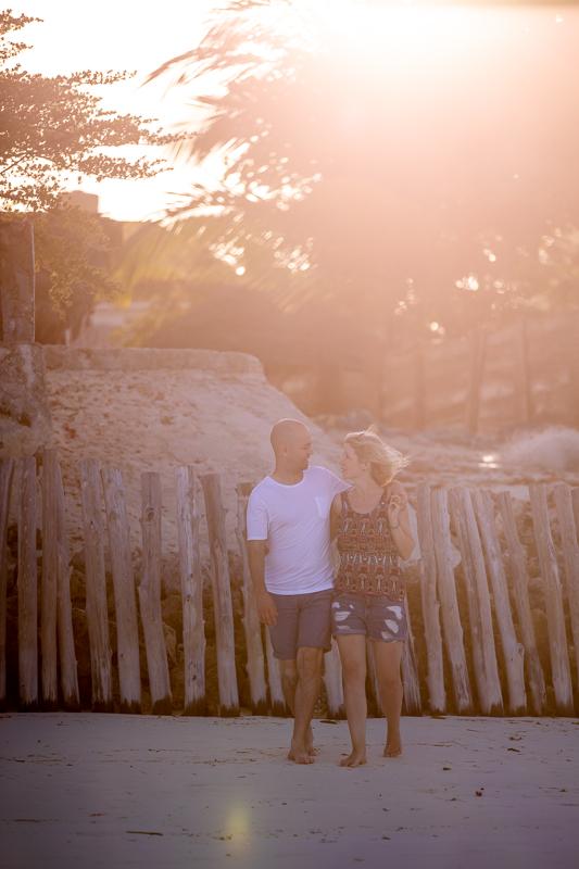 Paarfotoshooting am Strand von Sansibar