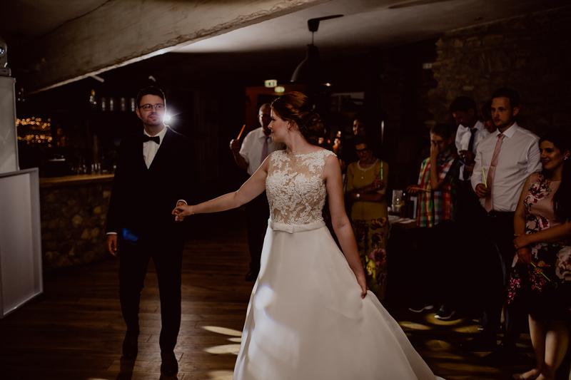 Eröffnungstanz von Braut und Bräutigam auf dem Pankratiushof Hechtsheim