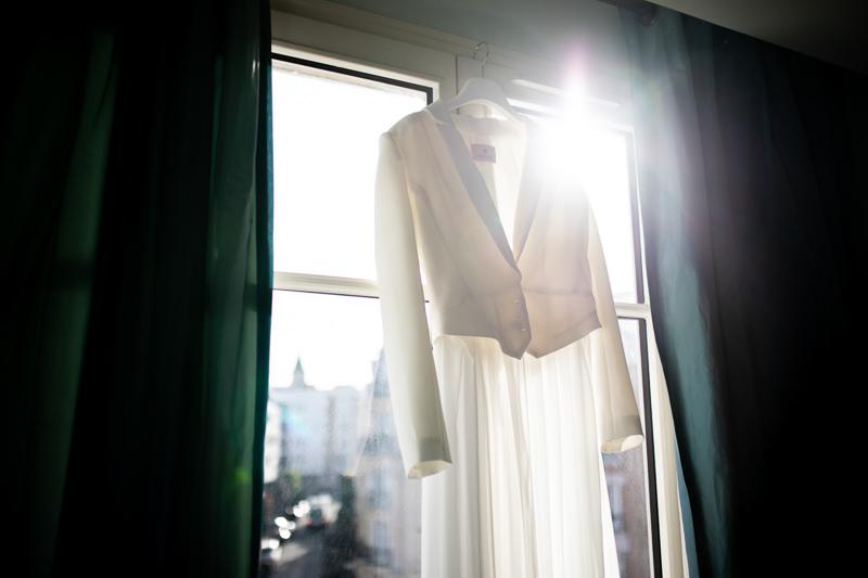 Detailsaufnahme Hochzeitskleid